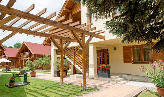 Family Apartments and Pension - Orchidea Hotel Lipót