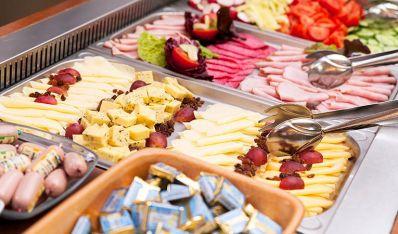 Svédasztalos reggeli - Orchidea Hotel Lipót
